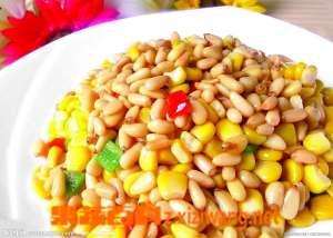 松仁玉米材料和做法